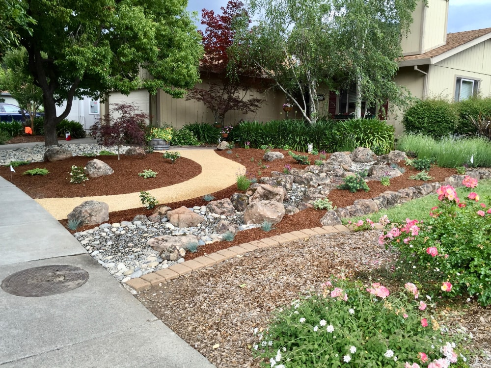 Tips to Design Your Own Front Yard Landscape | Sweetwater ...